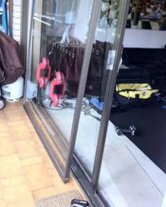 Aluminium--glass-door-repair-sydney-250