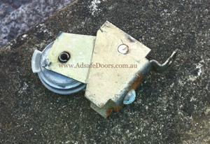 lane cove sliding door issues